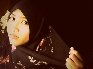 simple hijab with flowerbrooch