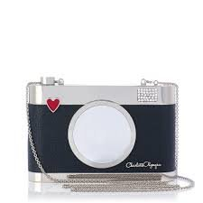 Fallin' in love at the first time with this supeeeeeeeerrr cute sling bag. Can I get anyone buy me this one? :)