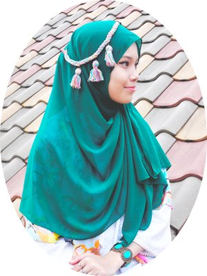 Green Hijab by KIVITZ plus my DIY headpiece.